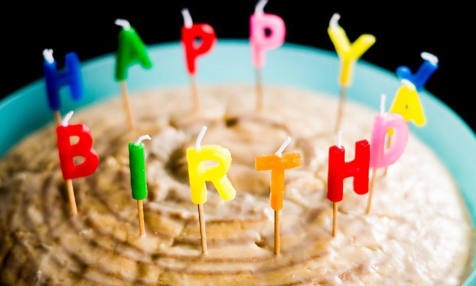 Geburtstagstorte als Sinnbild für den 13. Jahrestag der Gründung der Piratenpartei